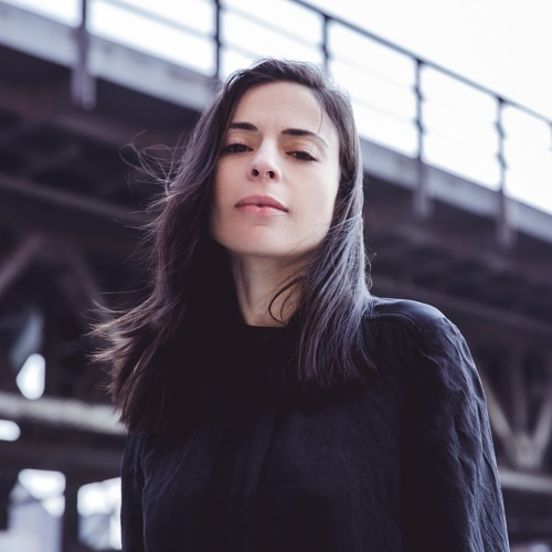 Don't Know Why' was Maayan Nidan's first of four releases on Perlon. A groggy affair, it is quintessential for DJs looking to calm things down on the dance floor whilst keeping a stomp.